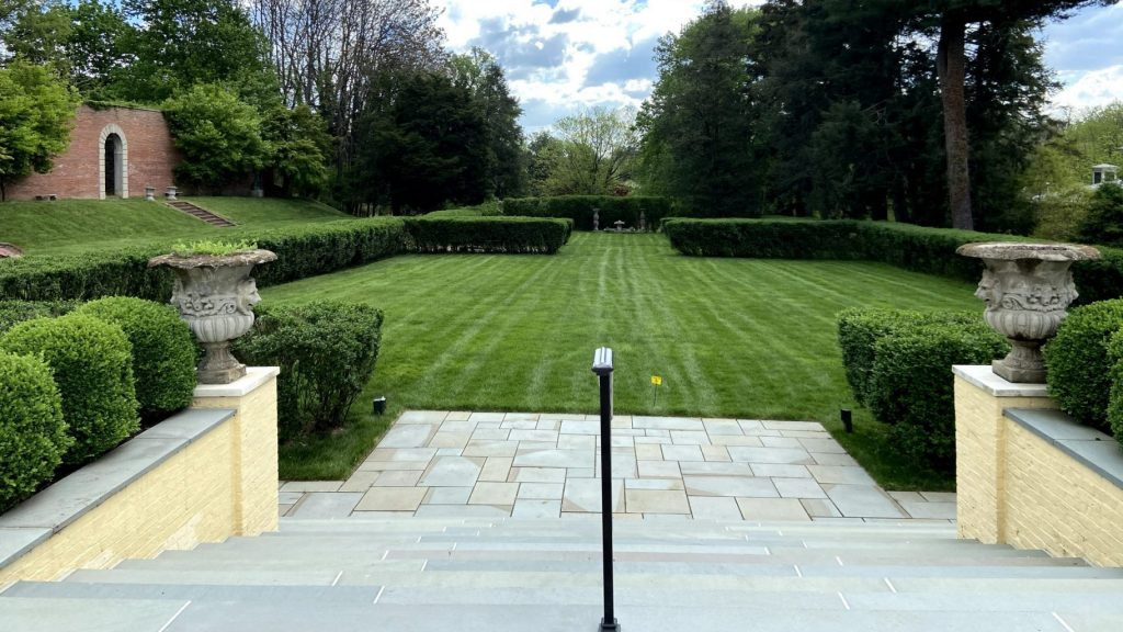 view of Evergreen garden